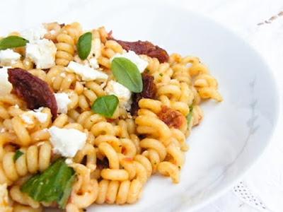 Roast Pepper & Sundried Tomato Pasta Salad