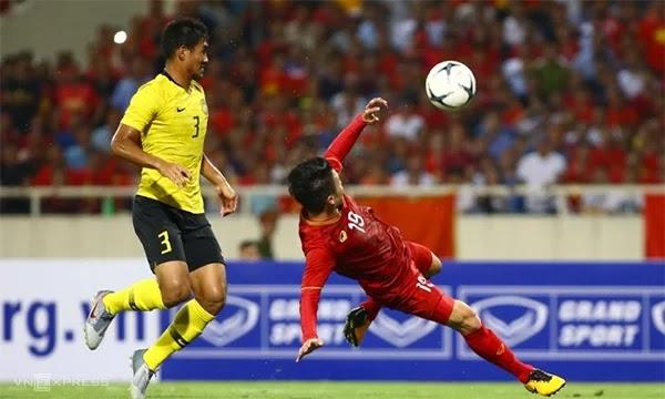 Quang Hải có bàn thắng đẹp mắt đem lại lợi thế lớn cho Việt Nam