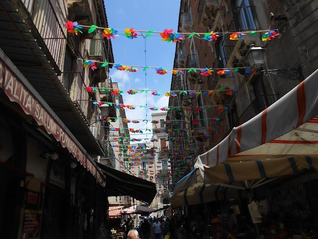 mercato e girandole a Catania