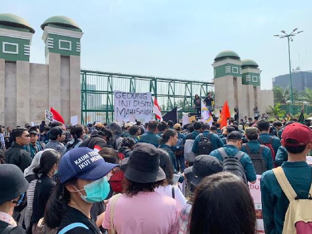 Kejahatan Besar Sedang Terjadi di Indonesia