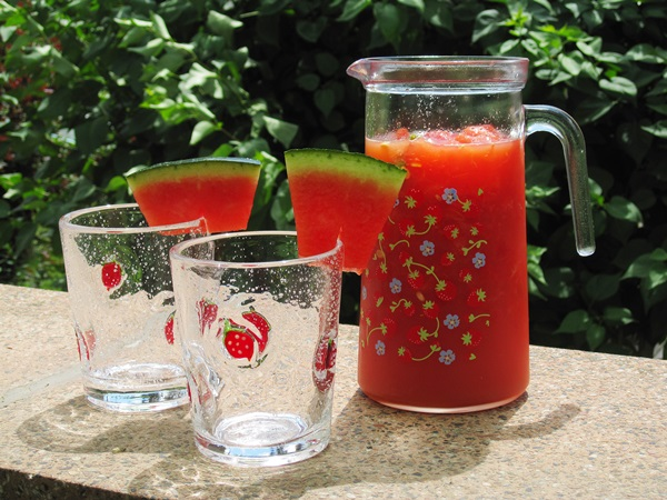 kleeblatt sommerlicher melonen cocktail ohne alkohol. Black Bedroom Furniture Sets. Home Design Ideas