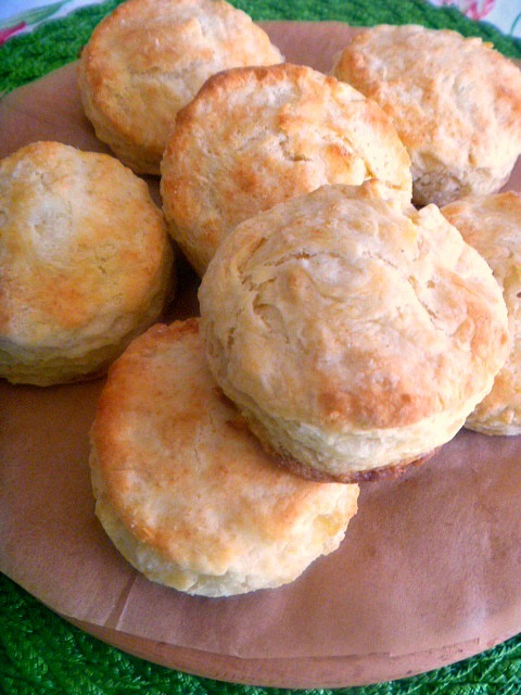 How to EAT a scone:  take one hot scone, split open and spread with butter or jelly so it's ooooozing out the sides and dripping on your fingers as you eat it. - Slice of Southern