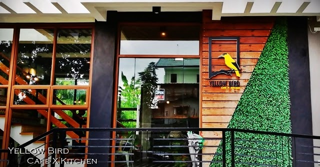 W Kitchen Cafe Gandaria City Of Yellow Bird Cafe X Kitchen Beautiful Dining Destination