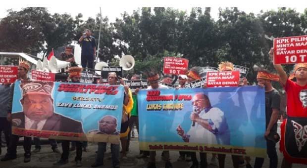 Jika Tidak Minta Maaf, Masyarakat Papua Akan Terus Duduki KPK