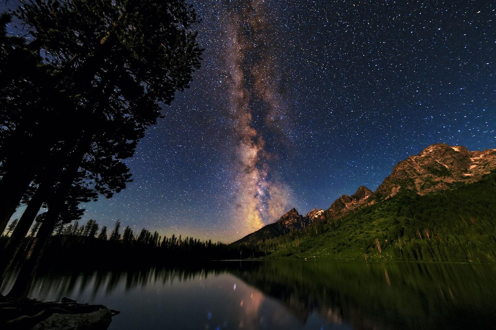 Fotografi Landscape Wallpaper Pemandangan Alam Gunung keren di atas gunung keren dan manis