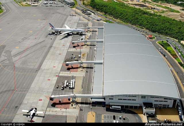 Aéroport de Saint Martin Juliana vue aérienne