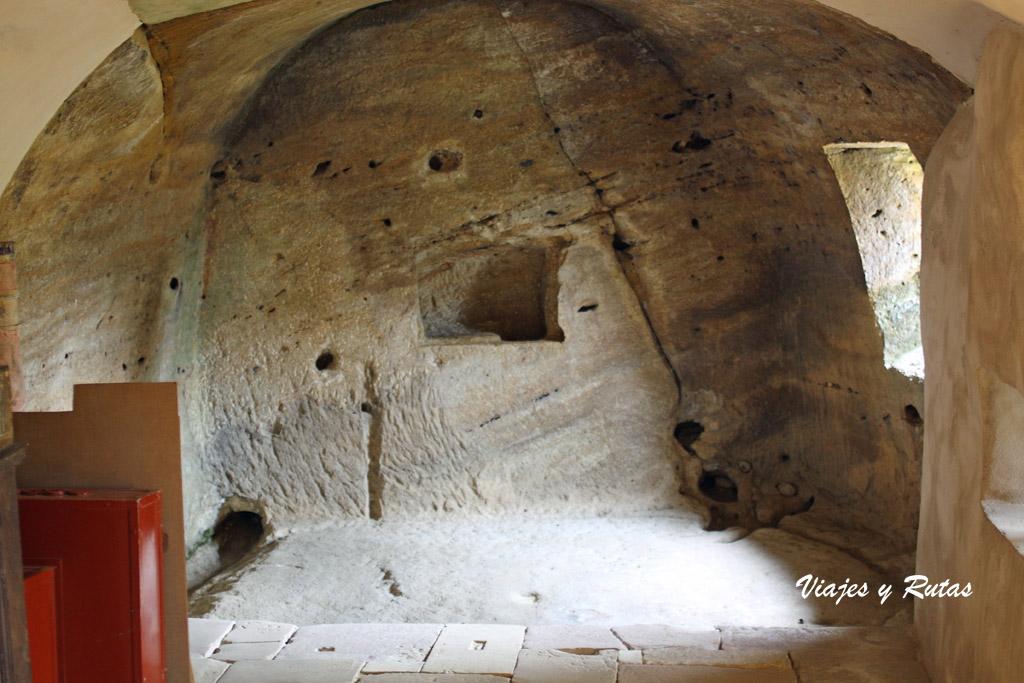 Origen de iglesia rupestre de Olleros de Pisuerga