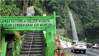 males megawe - Air Terjun Lembah Anai menjadi salah satu primadona wisata di Sumatera Barat. Lokasinya yang strategis, berada di tepi jalan utama Padang-Bukittinggi menjadikan air terjun ini destinasi wajib bila melintas di jalan ini.