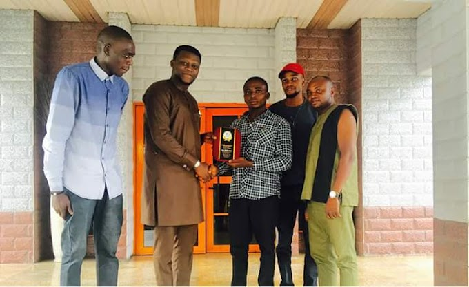 YALA STUDENTS HONOUR HON. FRANCIS EKPO (HOUSE OF ASSEMBLY ASPIRANT) OVER EDUCATIONAL SUPPORT