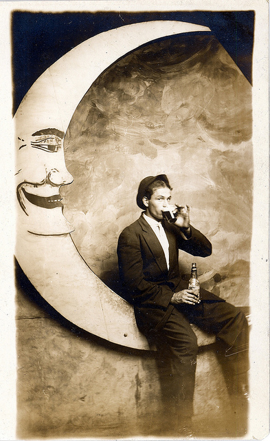 Funny Vintage Paper Moon Studio Photographs Everyday