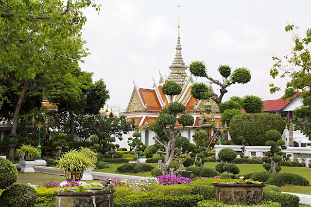 Freelance Private Tour Guide Bangkok Thailand