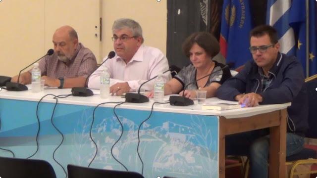 """Ο Σύνδεσμος Φιλολόγων Αργολίδας παρουσίασε το βιβλίο """"Ελαφρά Ελληνικά Τραγούδια"""" του Αλέξη Πανσέληνου (βίντεο)"""