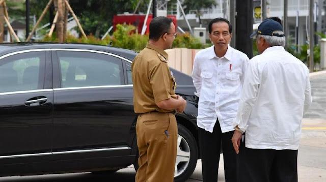 Jokowi dan Anies Membahas ini Saat Satu Mobil