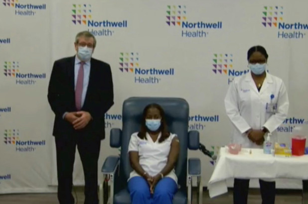 Black Nurse Becomes First Person To Receive COVID-19 Vaccine In US (Photo) #Arewapublisize