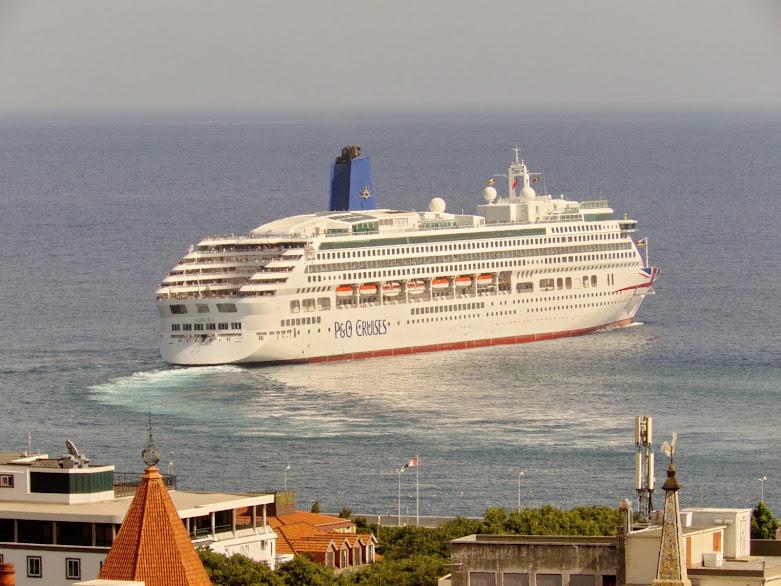 o Aurora deixa o Funchal