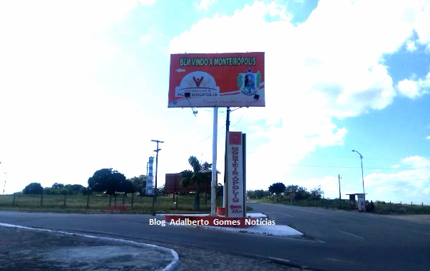 Em Monteirópolis, polícia encontra motocicleta com queixa de furto abandonada em estrada vicinal