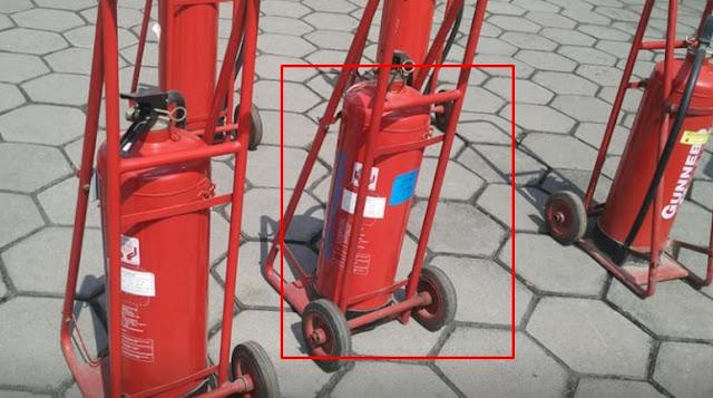 kondisi fisik tabung pemadam kebakaran dalam keadaan baik dan bersih