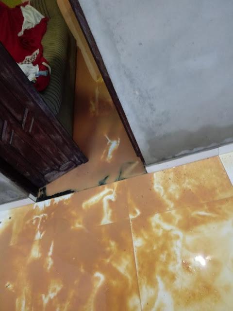 Madrugada foi de chuvas intensas casas são envadidas por agua na madrugada deste domingo 12/ 04