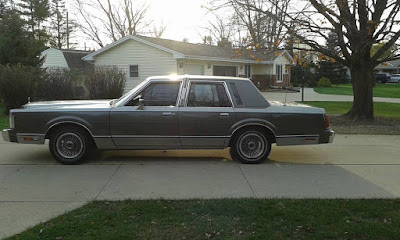1988 Lincoln Town Car Milwaukee