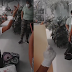(VIDEO) Hombre se arrodilla y agradece a Dios al salir de hospital tras vencer coronavirus.
