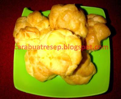 Resep Kue Sus Basah Isi Vla Cream Lembut dan Empuk Sederhana Spesial Asli Enak Banget CARA MEMBUAT KUE SUS BASAH VLA CREAM LEMBUT