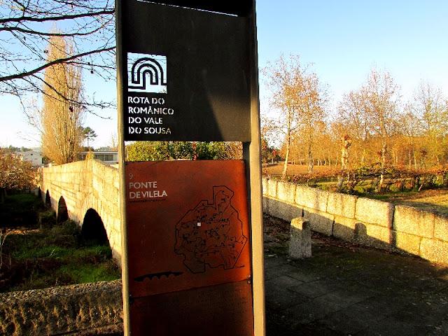Ponte de pedra na Rota do Românico