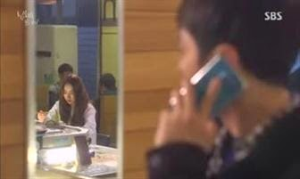 Sinopsis The Girl Who Sees Smells Episode 4