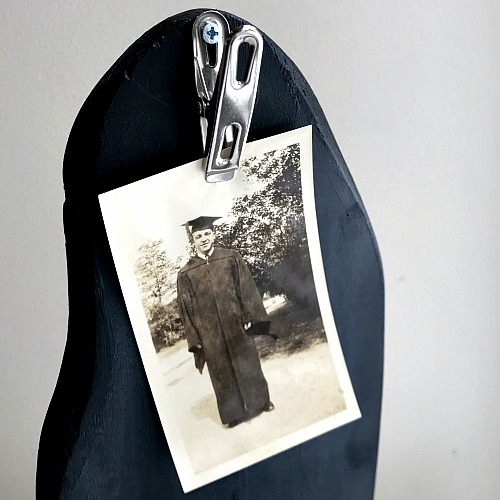Chalkboard memo holder with a clip for photos