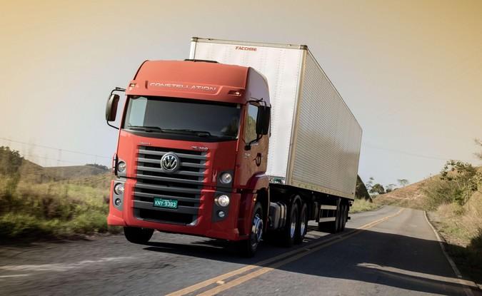 Caminhões VW começam a ser exportados com nova transmissão automatizada