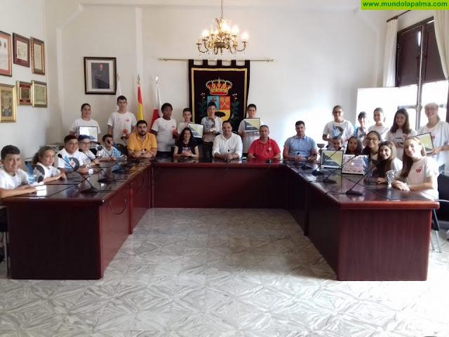 El Ayuntamiento de la Villa de Breña Alta recibe al Club Baloncesto Doguén admirando los grandes resultados que están obteniendo en la temporada