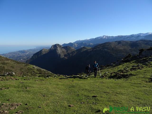 Ruta al Cerro Llabres: Camino a la cima del Cerro de Llabres