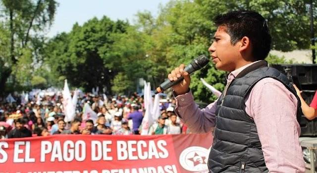 Miles de estudiantes exigen becas en Segob  ¡