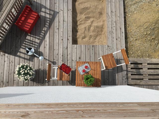 Sandkasten in der Holzterrasse