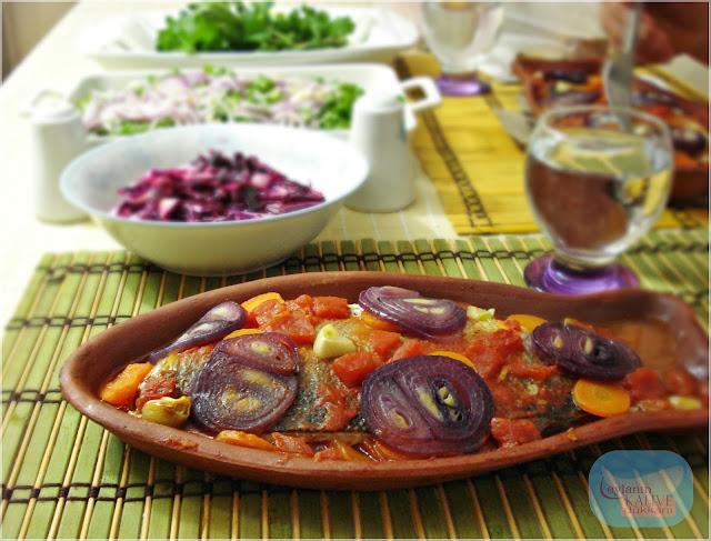 Güveçte Levrek ve 'Balık Yanı Salatalar'