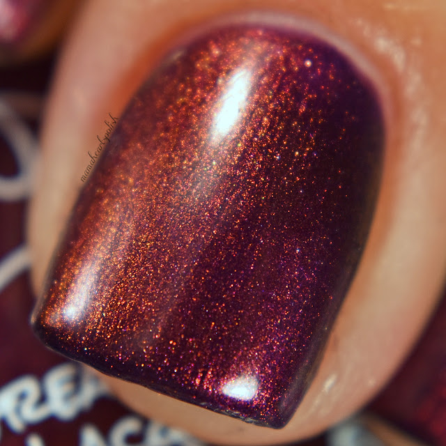 great-lakes-lacquer-creatures-of-the-night-brought-to-light-swatch-macro