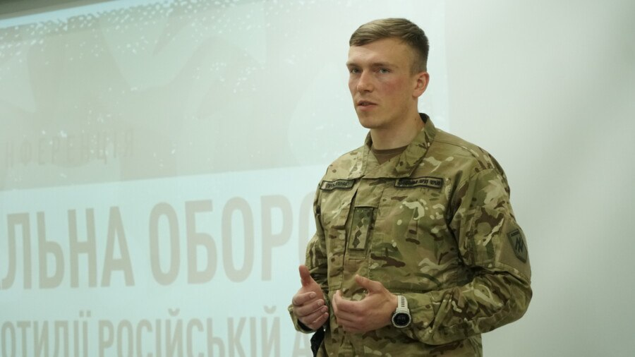 Командир полку Азов розповів про стан тероборони