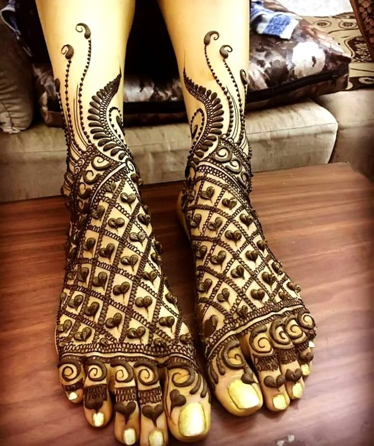 beautiful-Heart-Mehndi-Design-with-gorgeous-Art