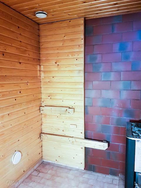 coloria maali maalaus sauna saunasuoja musta hiili pintakäsitely pintaremontti remontti