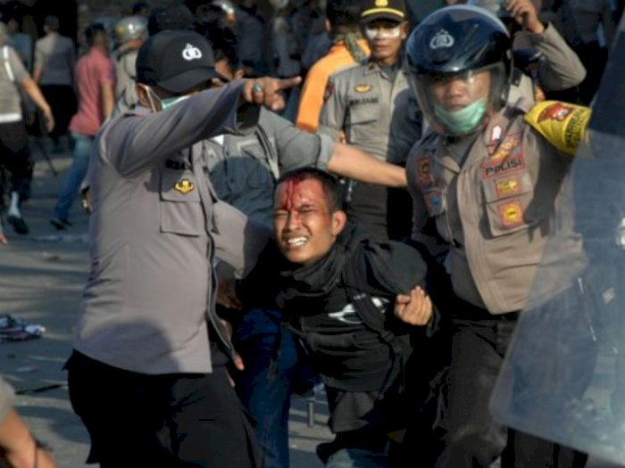 Kapolri Larang Siarkan Tindakan Arogansi Aparat Polisi, LBH: Polri Berupaya Atur Independensi Pers!