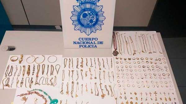 Mata a una vecina en Escaleritas, Las Palmas de Gran Canaria, para robarle joyas