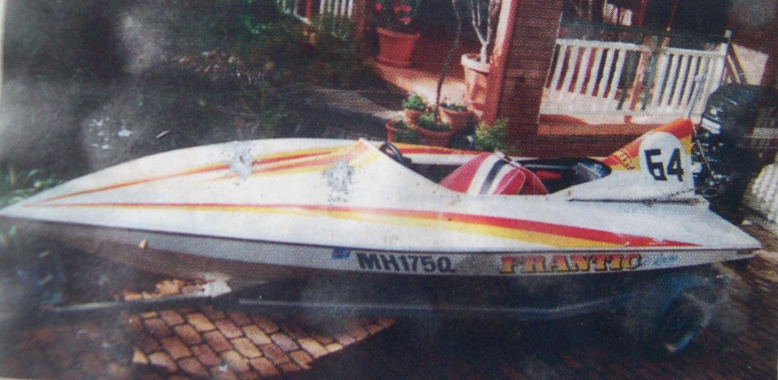 Aussie Skiboats Random Bullet Tunnel Deck