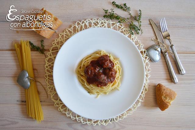 Espaguetis con albóndigas, Saca el Cucharón