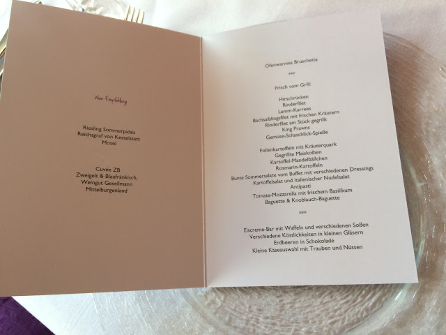 Menükarten BBQ Herbst-Hochzeit in den Bergen, Lila, Orange, Riessersee Hotel Garmisch-Partenkirchen, Bayern, Autumn wedding in Bavaria, Lilac and Orange