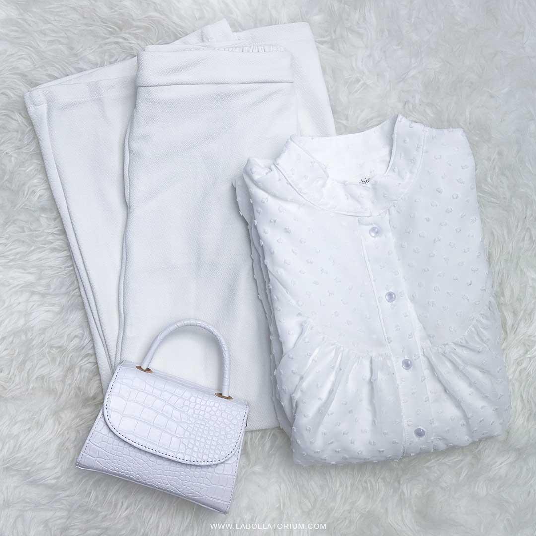 Flatlay outfit muslim wanita warna putih