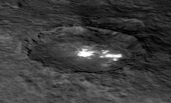 Fenomena Cahaya Terang Di Planet Ceres