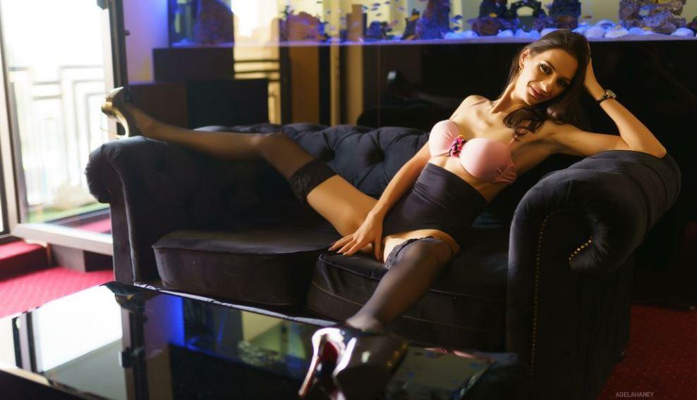 AdelaHaney Model GlamourCams