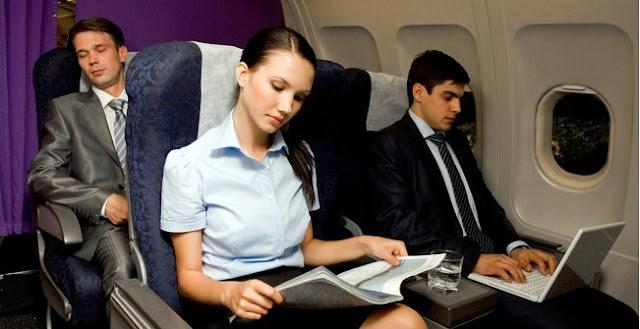 Anda Suka Naik Pesawat ? Begini Plus Minusnya Duduk di Dekat Lorong dan Jendela Pesawat