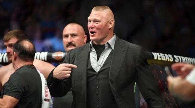 Brock Lesnar aláírt, de hova?