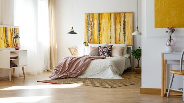 lantai kayu memberikan rasa hangat dan sejuk