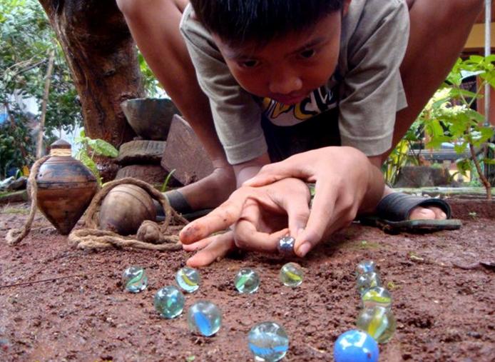 Mengenal Permainan Kelereng Anak Jaman Dulu Neker Amri Pedia